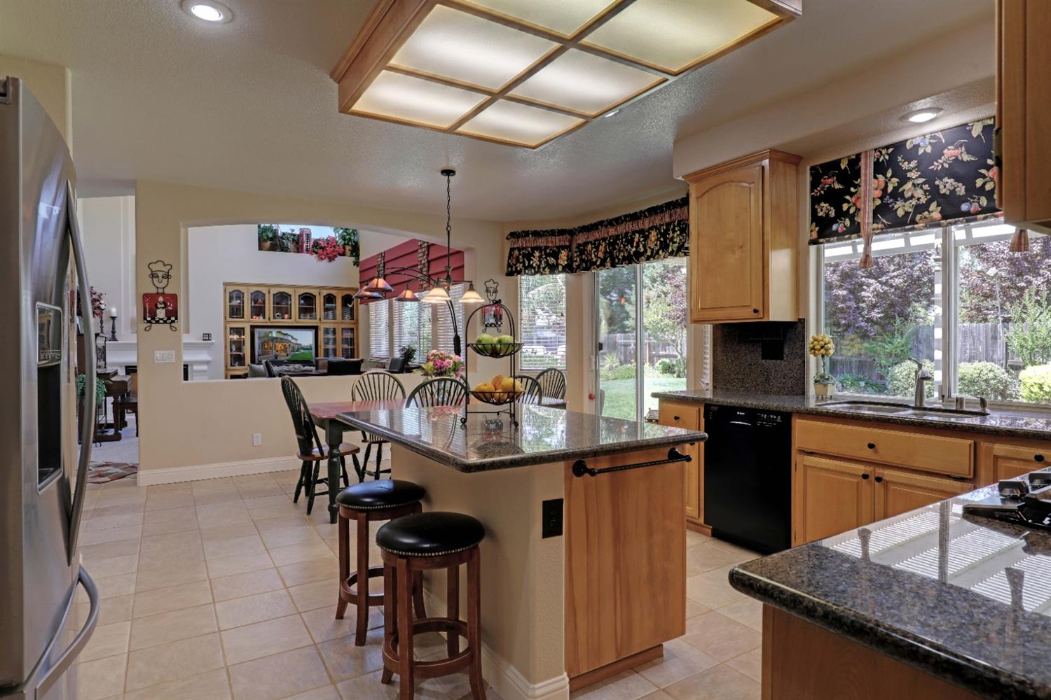 114 Eriswell Court, Roseville, CA 95747