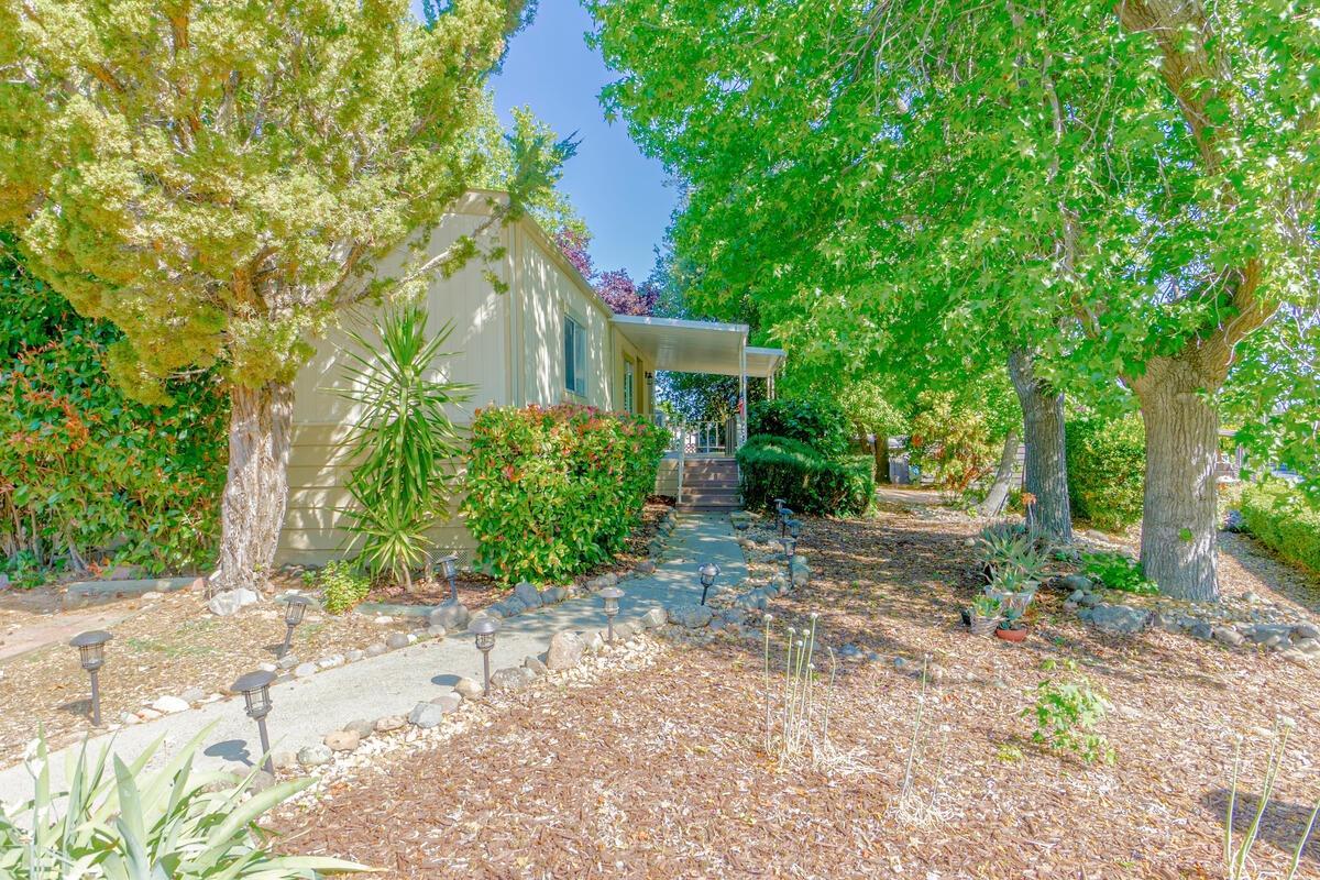 142 Olga Street, Roseville, CA 95661