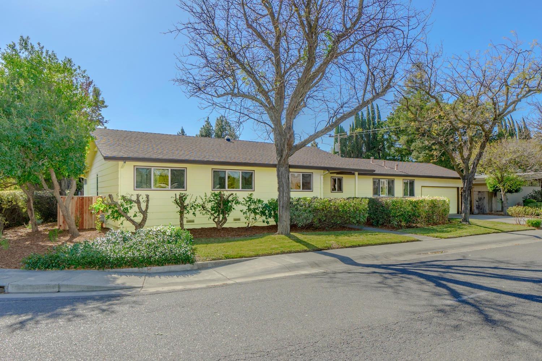 1002 Radcliffe Drive, Davis, CA 95616