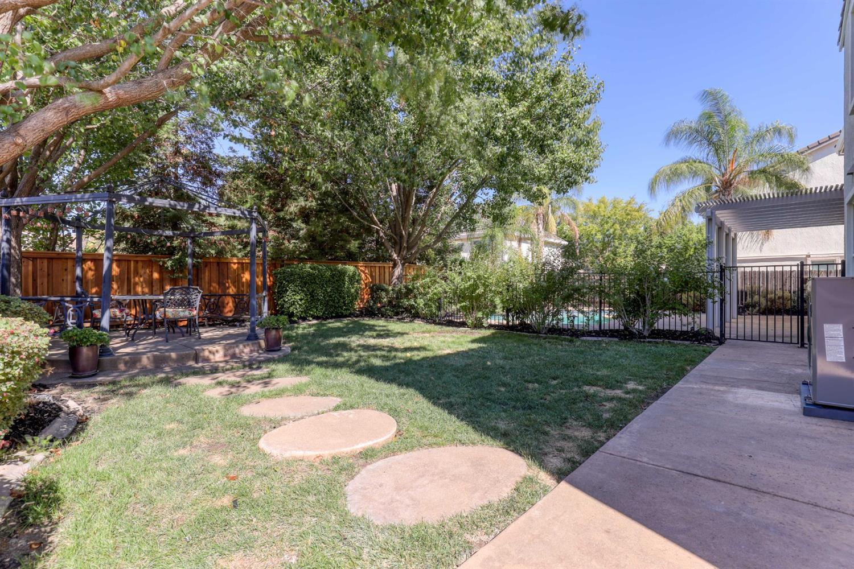 2481 Bent Tree Drive, Roseville, CA 95747