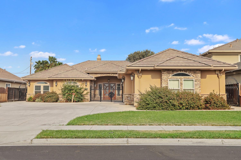 992 North Canyon Drive, Modesto, CA 95351