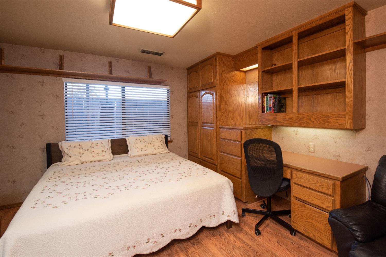 709 Winfield Place, Modesto, CA 95355
