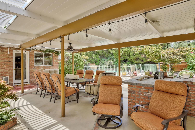 1330 Magnolia Avenue, Modesto, CA 95350