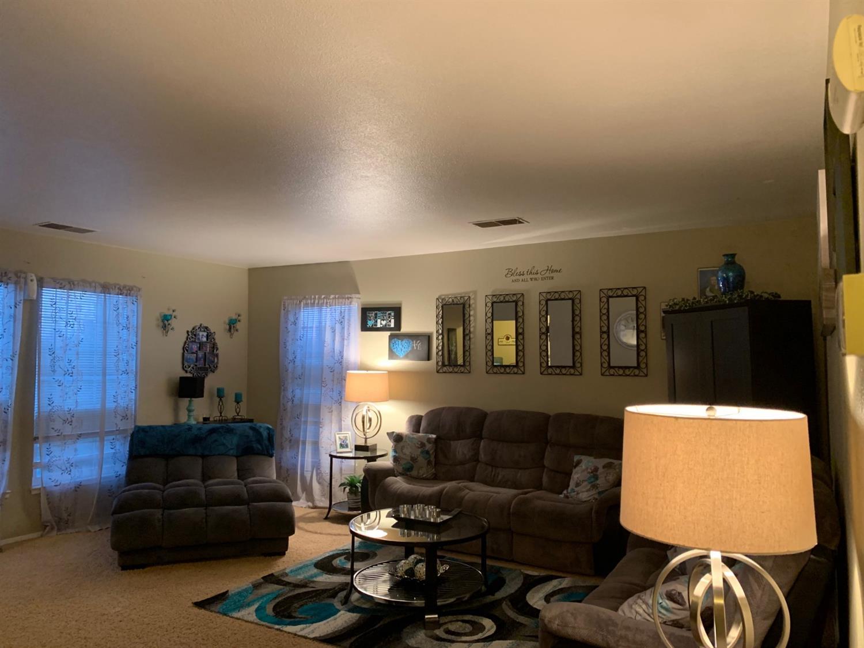 825 Stoddard Avenue, Modesto, CA 95350