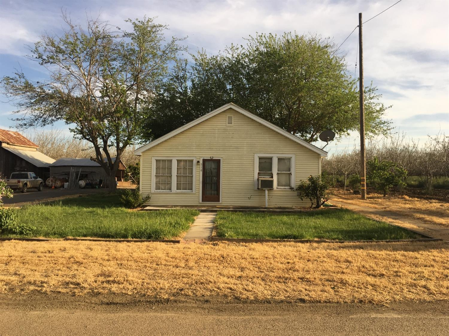 518 Bartch, Patterson, CA 95363