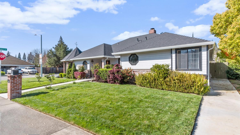 1001 Tamarack Court, Roseville, CA 95661