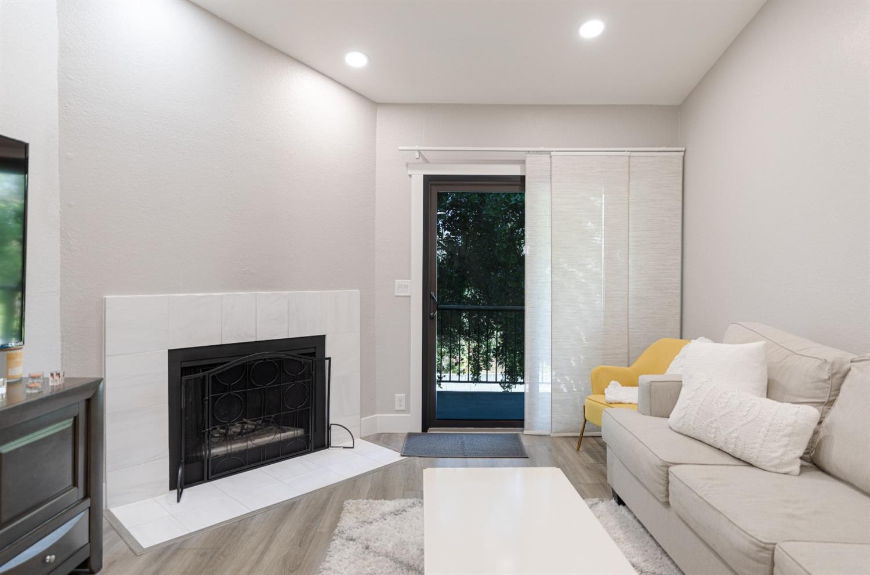 720 Sunrise Avenue, #42, Roseville, CA 95661