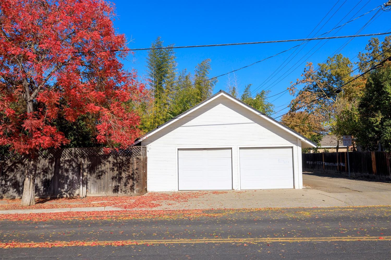 402 Sycamore Avenue, Modesto, CA 95354