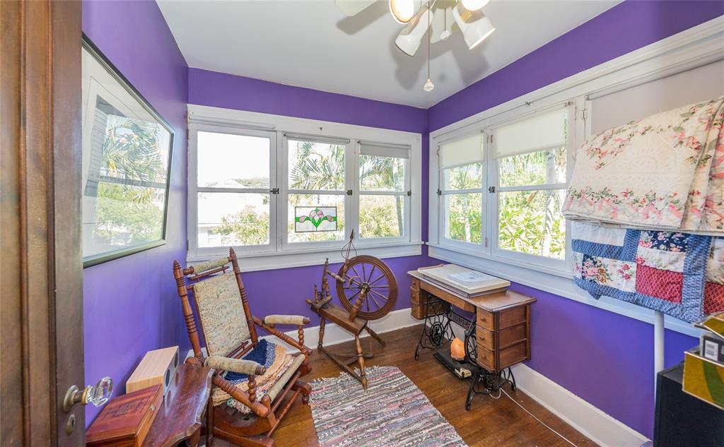 935 16TH Avenue North, Saint Petersburg, FL 33704