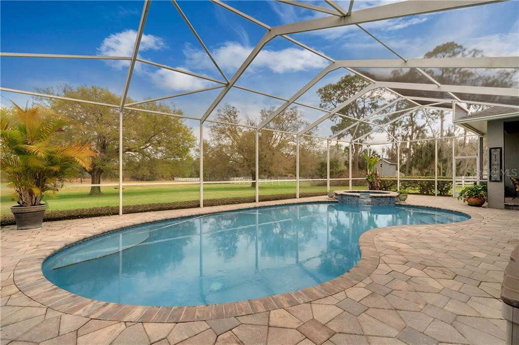 425 Lake Ned Road, Winter Haven, FL 33884
