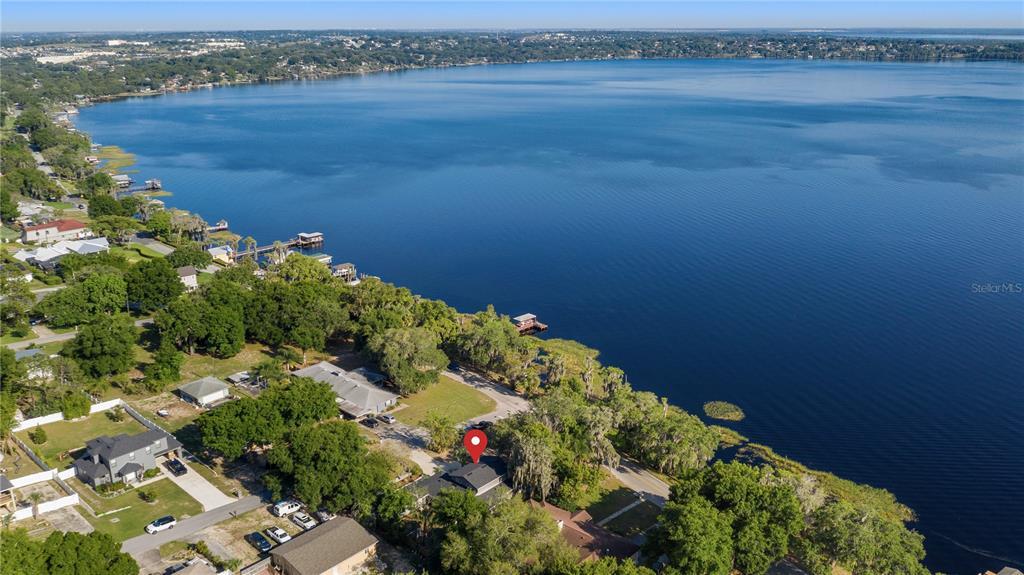 218 West Lakeshore Drive, Clermont, FL 34711