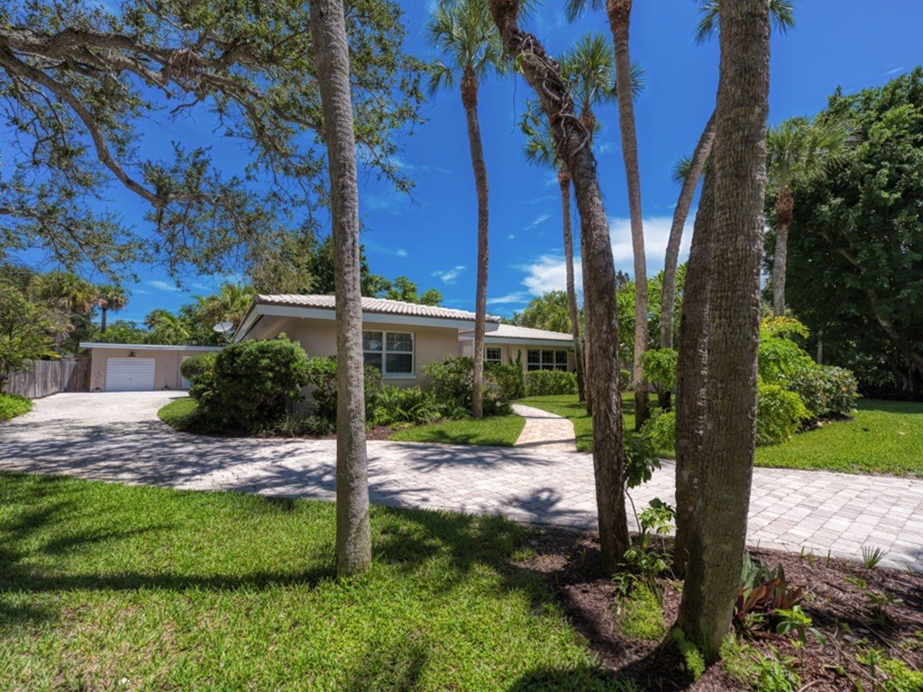 765 Cypress Road, Vero Beach, FL 32963
