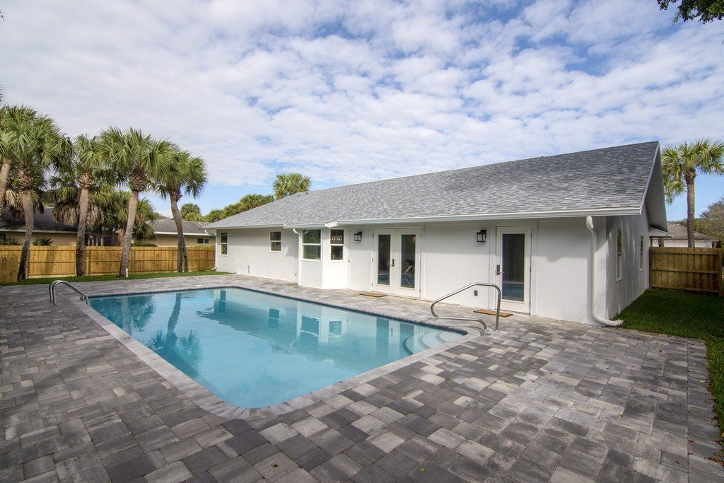 976 Tulip Lane, Vero Beach, FL 32963