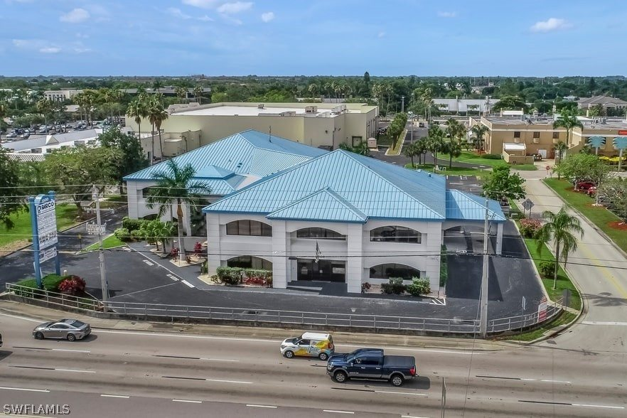 1500 colonial Boulevard, Fort Myers, FL 33907