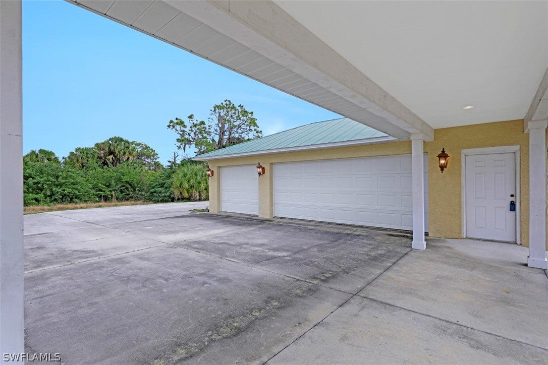 5601 Jackson Road, Fort Myers, FL 33905