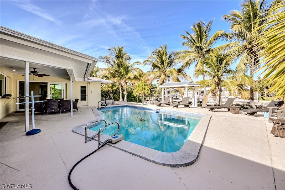 251 Randy Lane, Fort Myers Beach, FL 33931