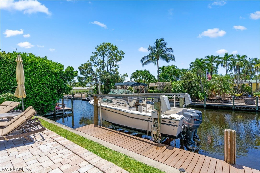 398 Snow Drive, Fort Myers, FL 33919