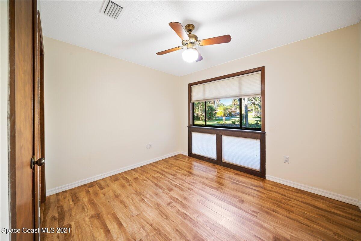 725 Lakewood Circle, Merritt Island, FL 32952