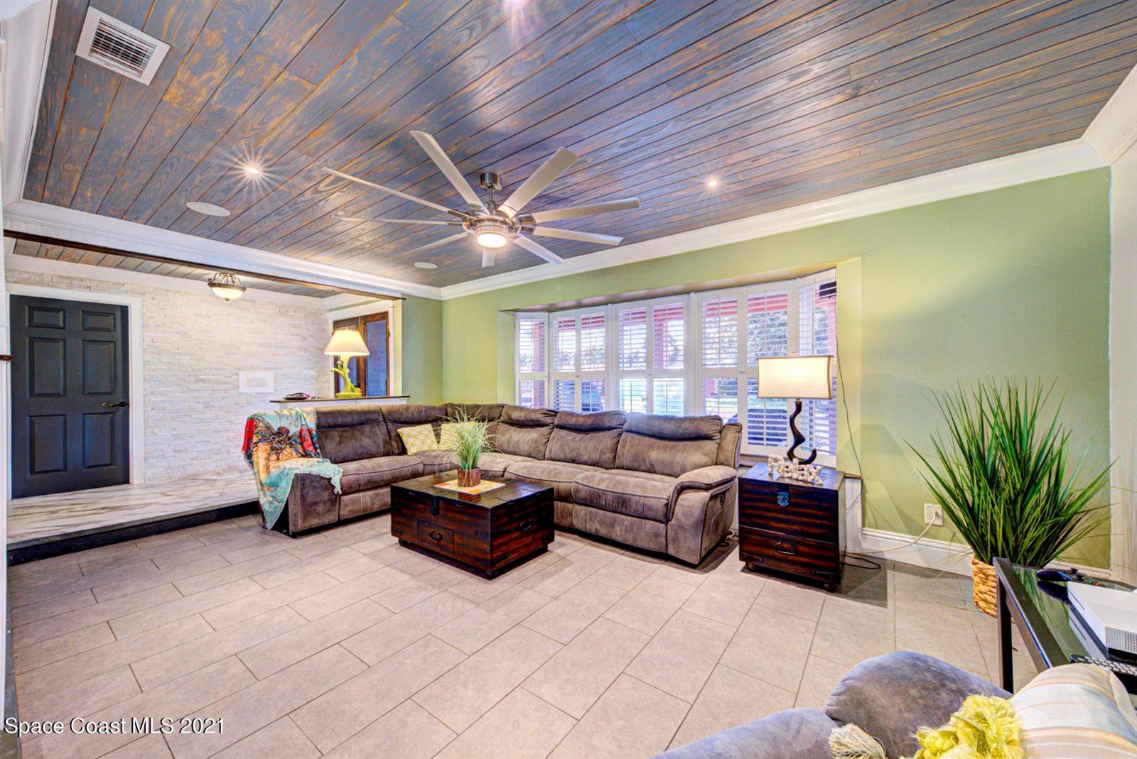 405 Park Avenue, Satellite Beach, FL 32937