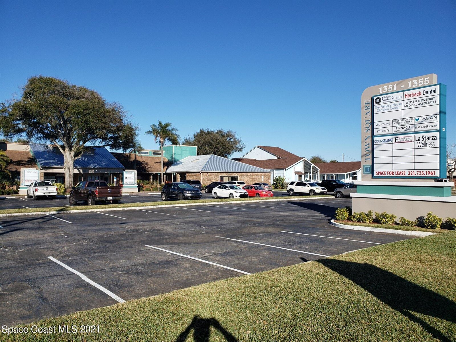 1355 North Courtenay Parkway, #W, Merritt Island, FL 32953