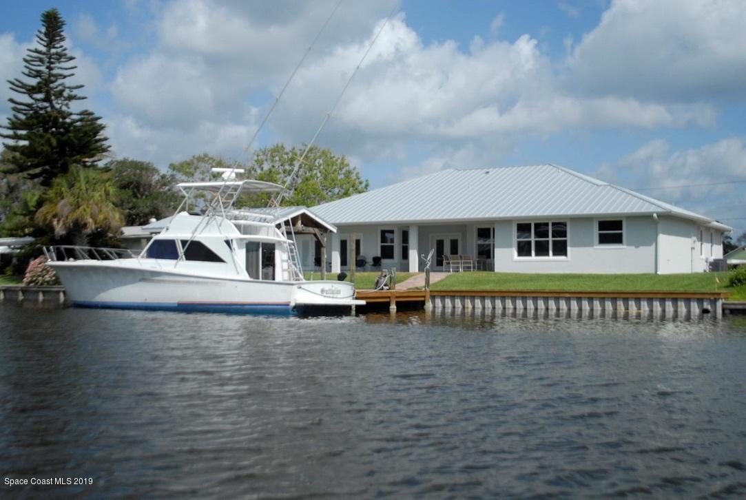 424 Cocoa Isles Boulevard, Cocoa Beach, FL 32931