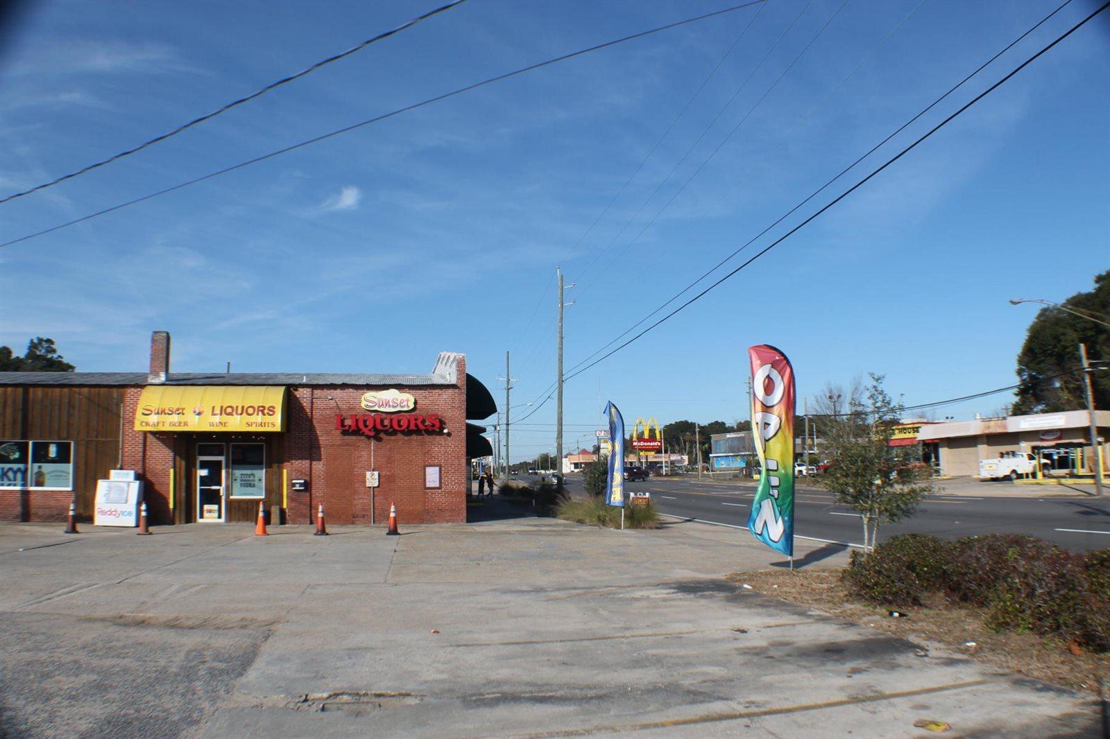 297 West James Lee Boulevard, Crestview, FL 32536