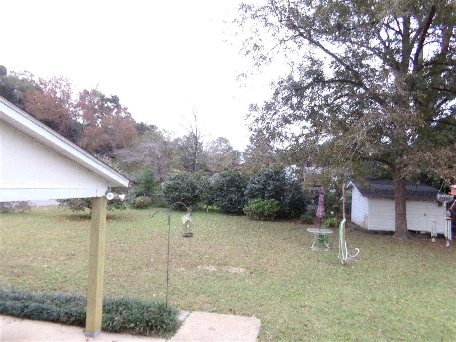 298 Dixie Street, Crestview, FL 32536