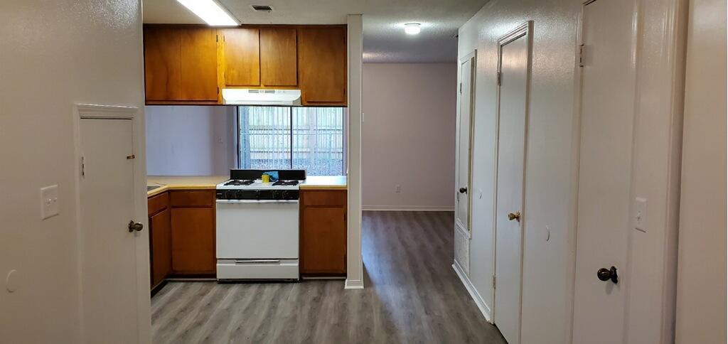 205 Marquette Avenue, Niceville, FL 32578