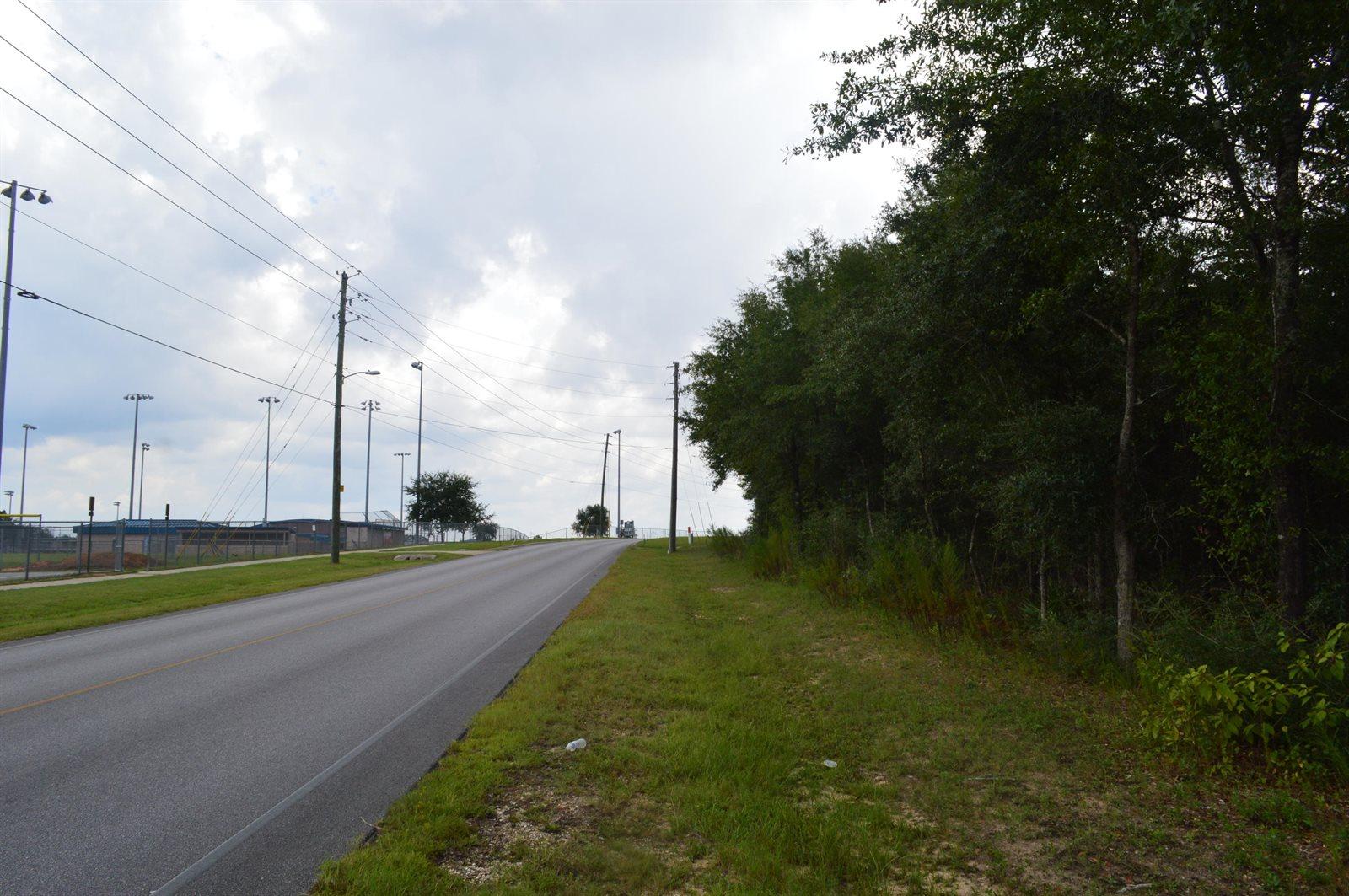 99 Acres Redstone Avenue, Crestview, FL 32539