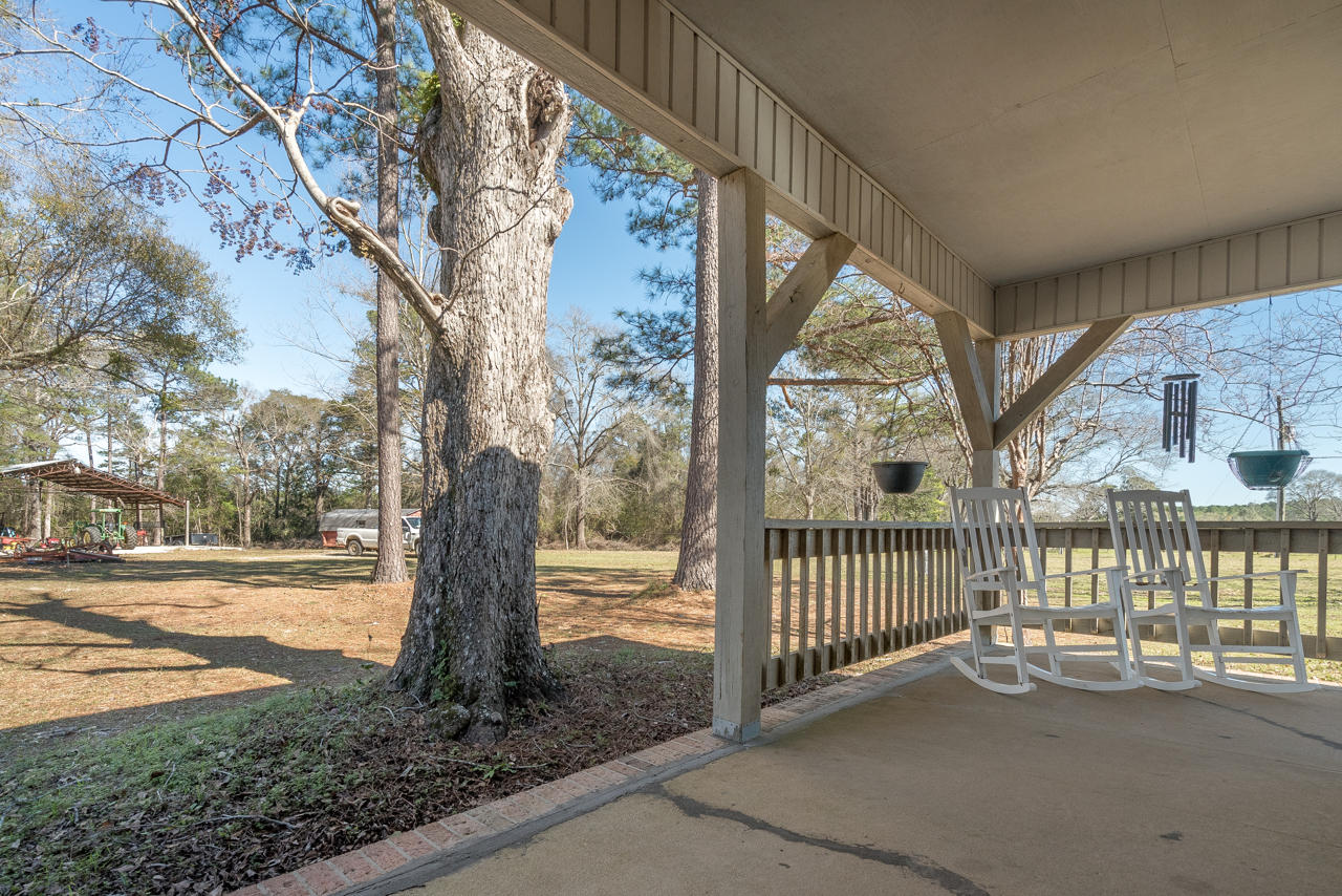 6025 Lake Ella Road, Crestview, FL 32539