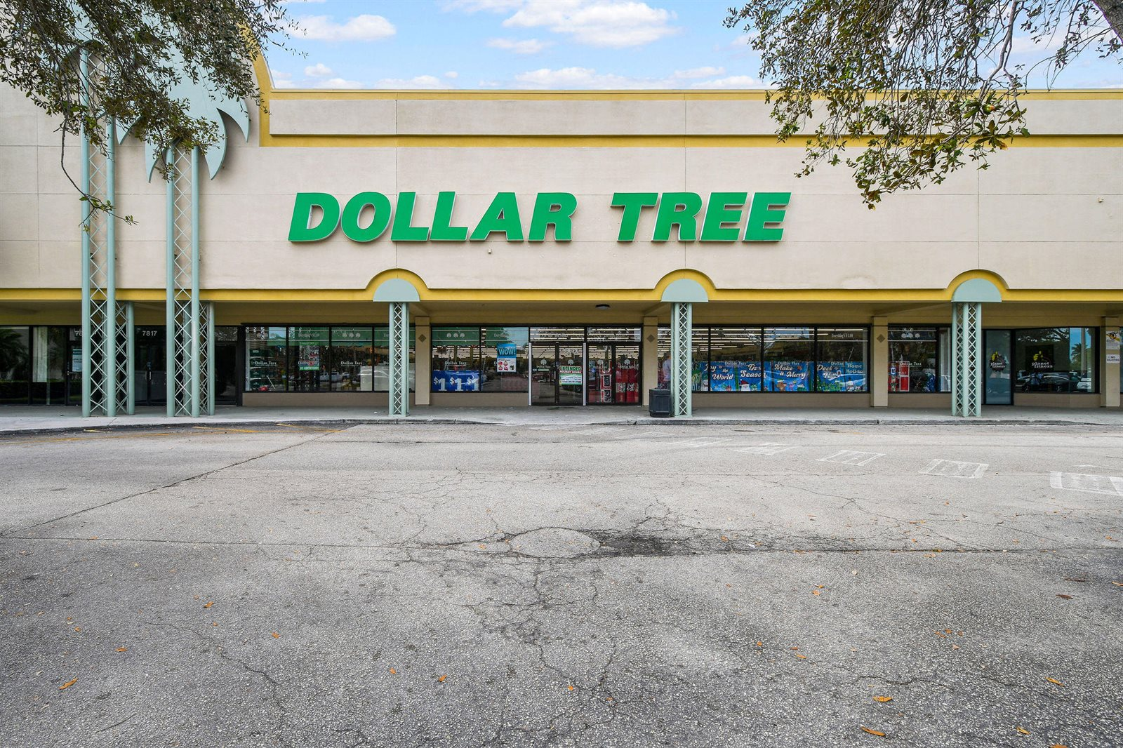 7620 South Dixie Highway, West Palm Beach, FL 33405