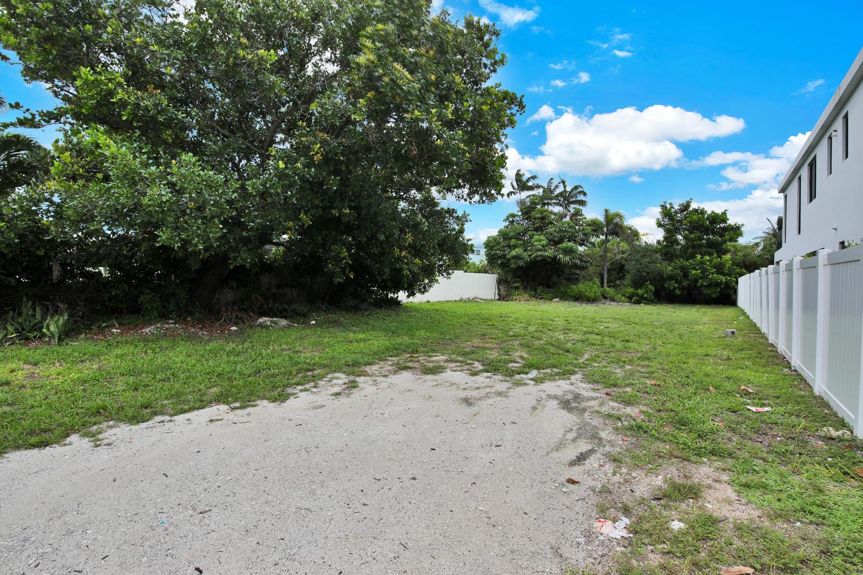 3320 NE 17th Street, Fort Lauderdale, FL 33305