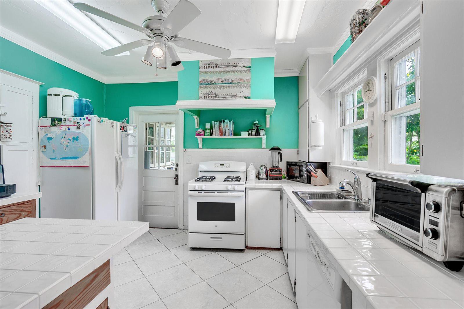 238 9th Street, West Palm Beach, FL 33401