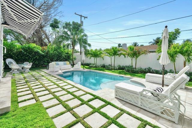 322 Monceaux Road, West Palm Beach, FL 33405