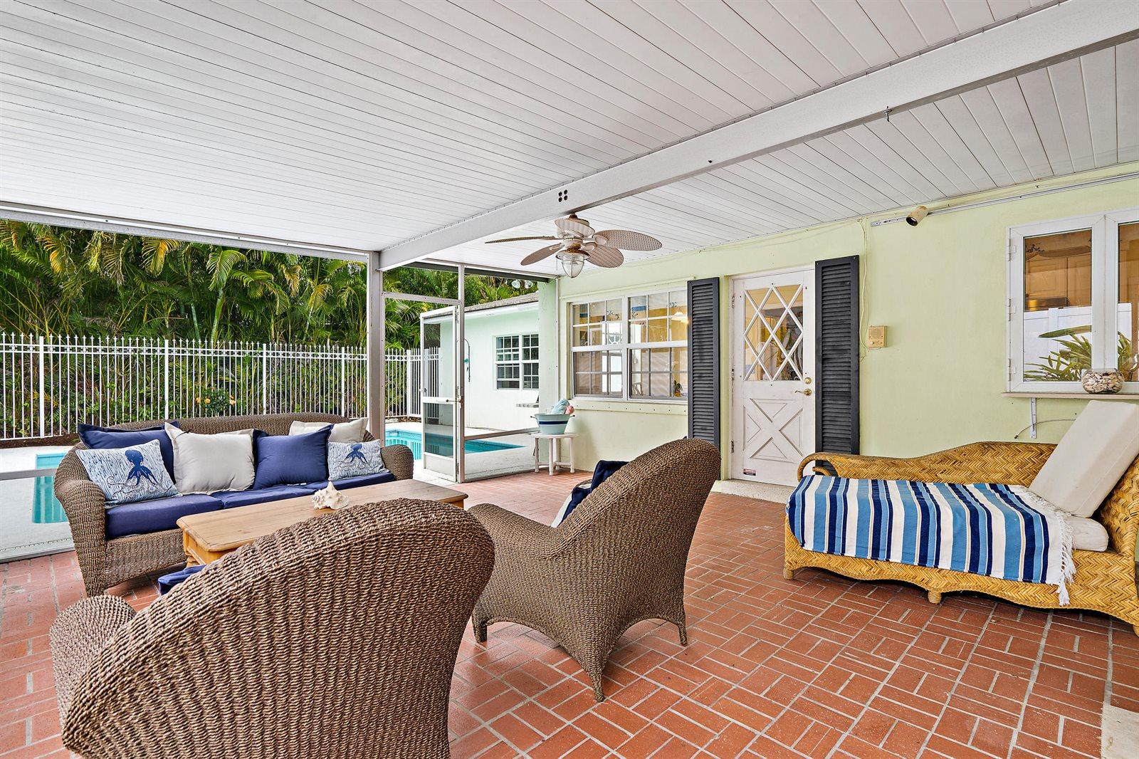 200 Elwa Place, West Palm Beach, FL 33405