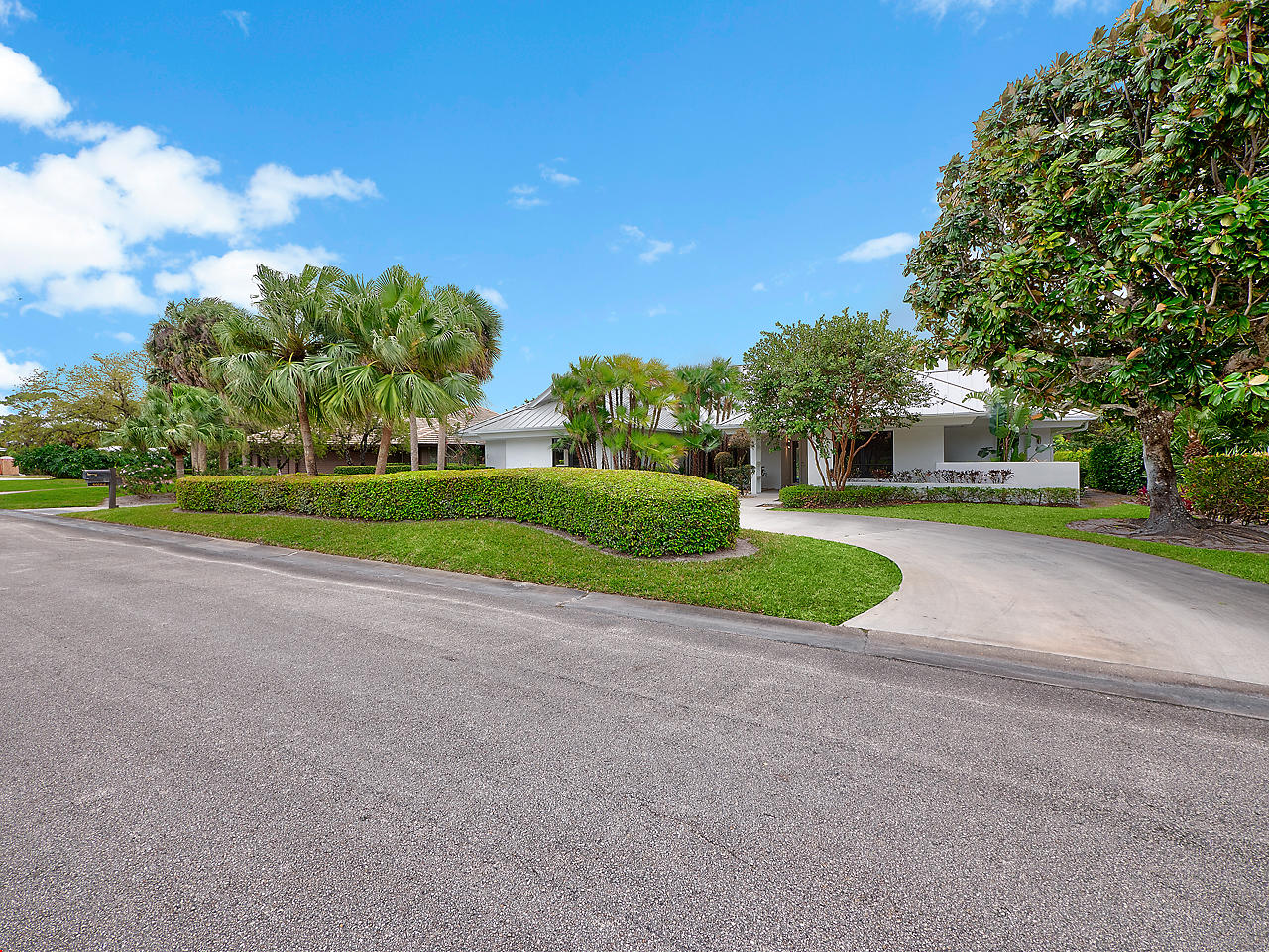 6082 SE Medinah Lane, Stuart, FL 34997