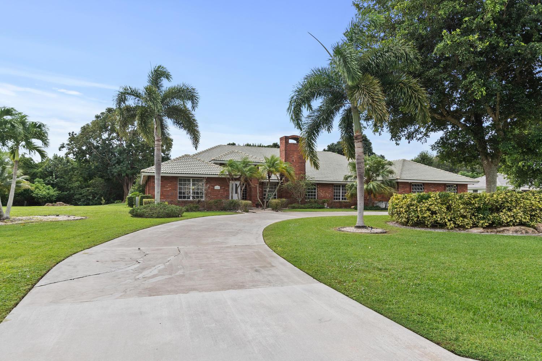 8657 Estate Drive, West Palm Beach, FL 33411