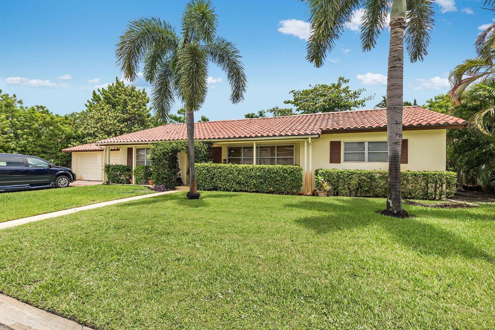 237 Elwa Place, West Palm Beach, FL 33405