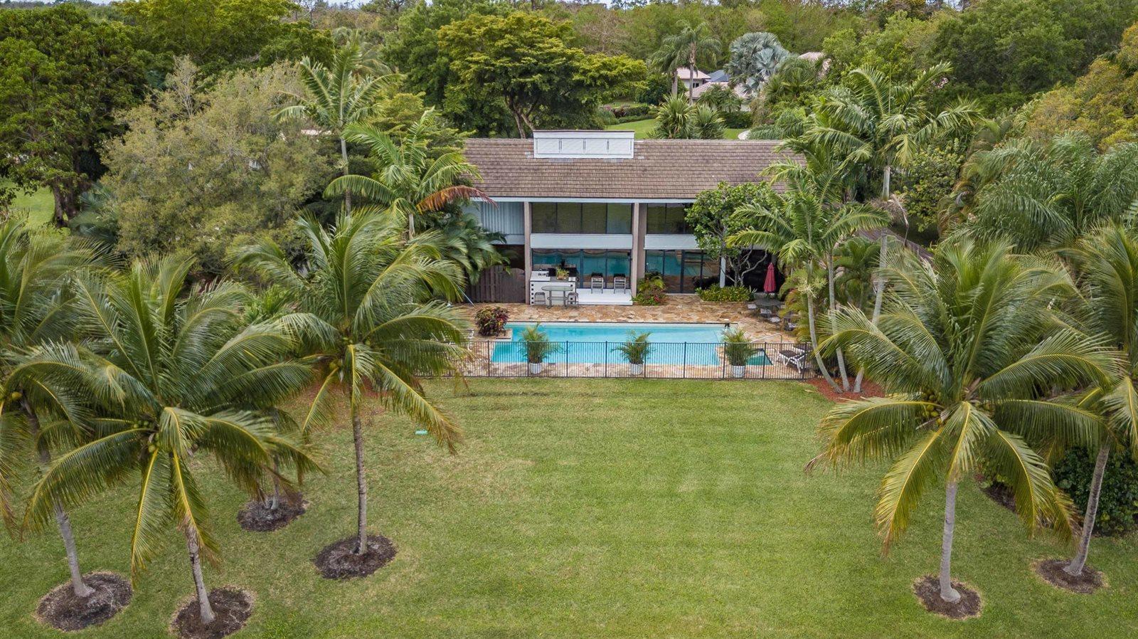 8742 Estate Drive, West Palm Beach, FL 33411