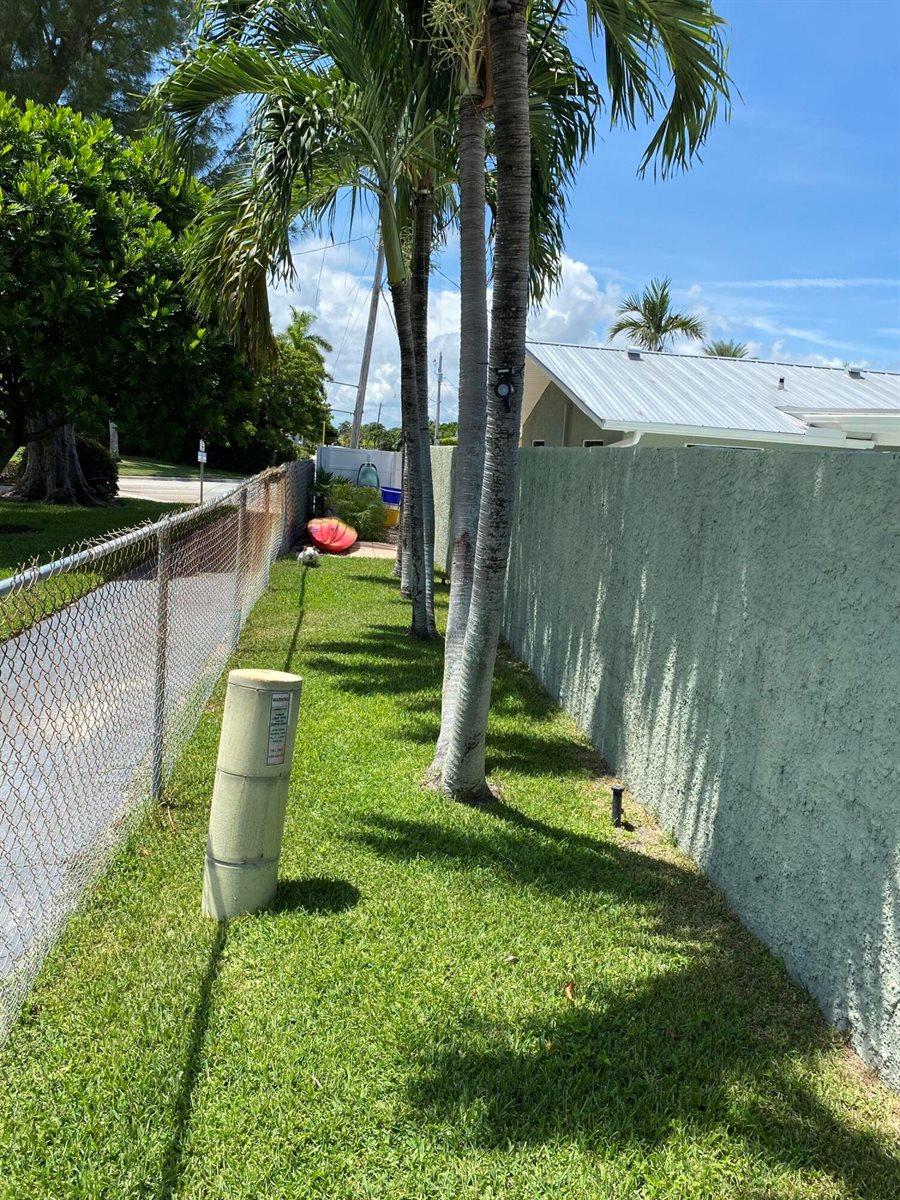 1201 Singer Drive, Singer Island, FL 33404