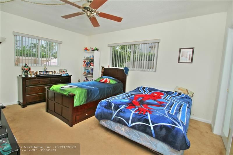 2626-2628 NE 49th St, Fort Lauderdale, FL 33308