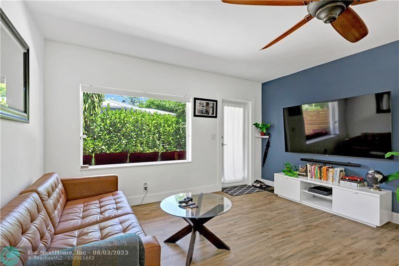 808 NE 17th Way, Fort Lauderdale, FL 33304