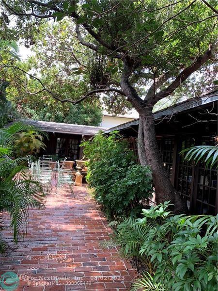2840 NE 21st Ct, Fort Lauderdale, FL 33305