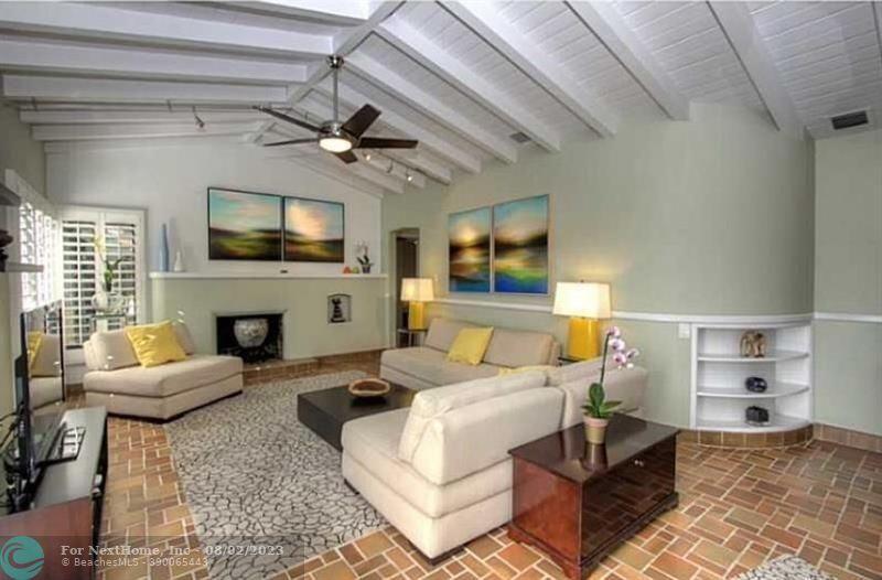 222 SE 16th Ave, Fort Lauderdale, FL 33301