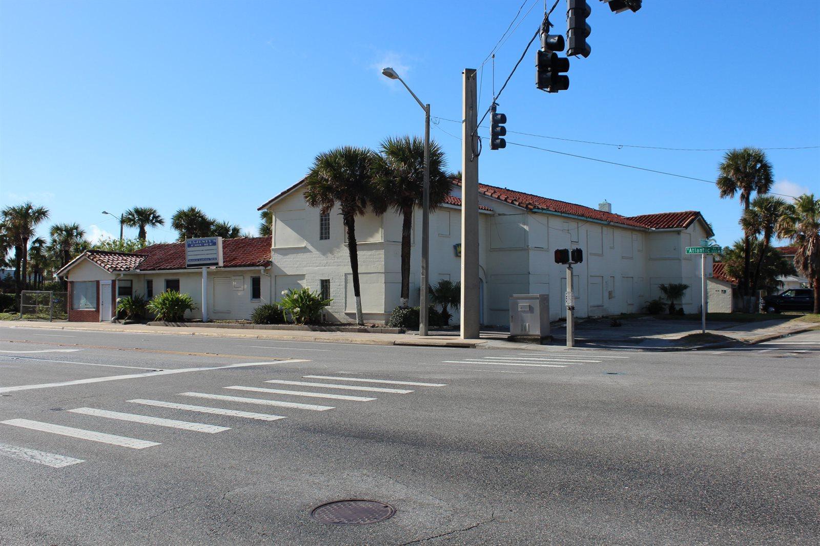 999 Atlantic Avenue, Daytona Beach, FL 32118