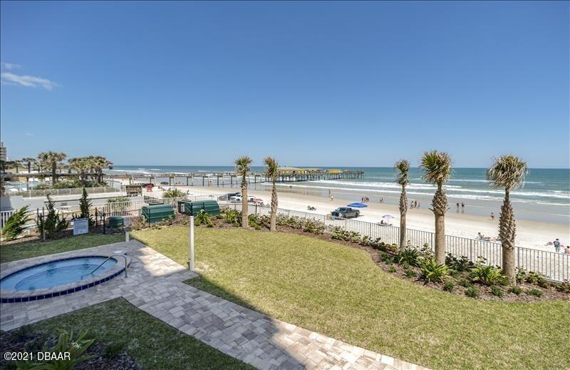 3721 atlantic Avenue, #202, Daytona Beach Shores, FL 32118
