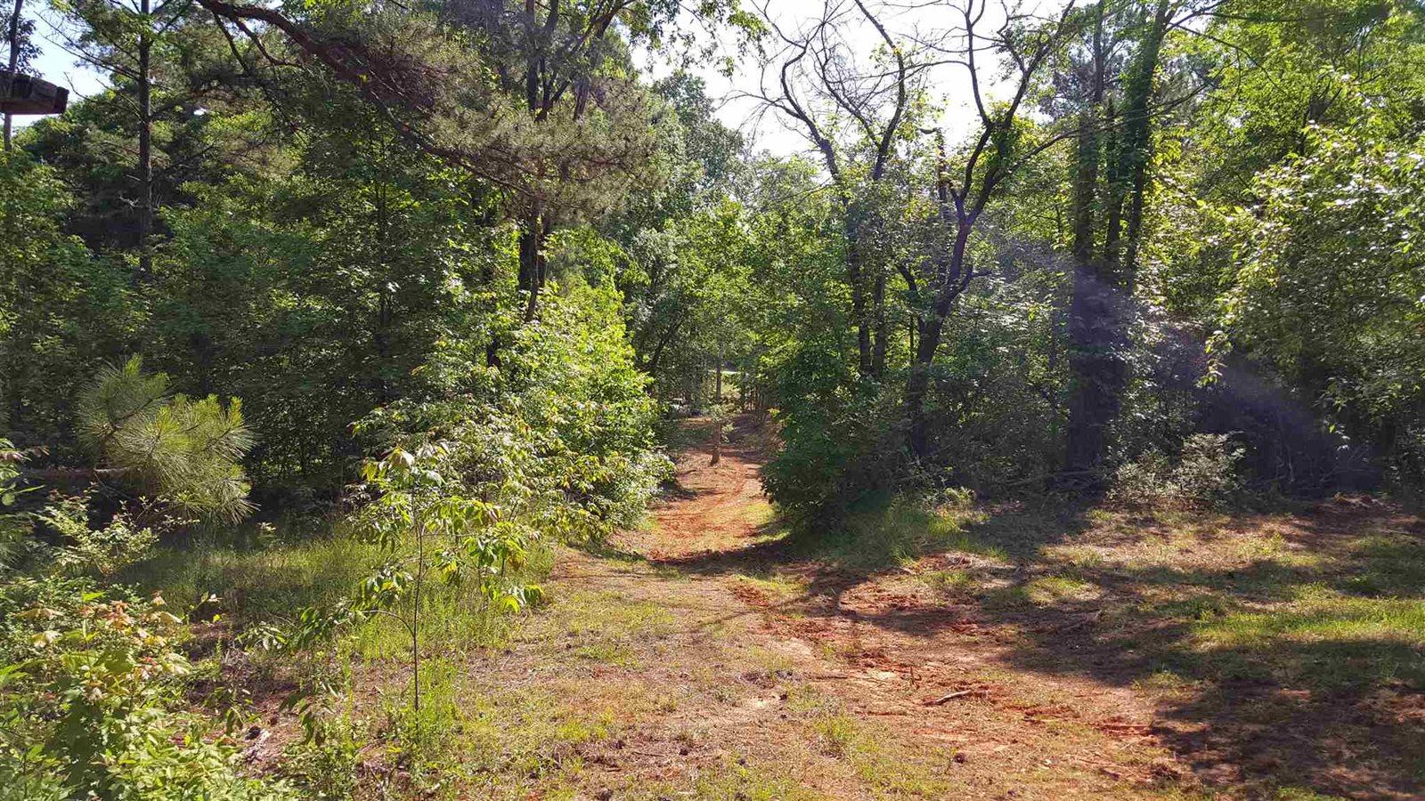 2961 Lake Oconee Parkway, Greensboro, GA 30642