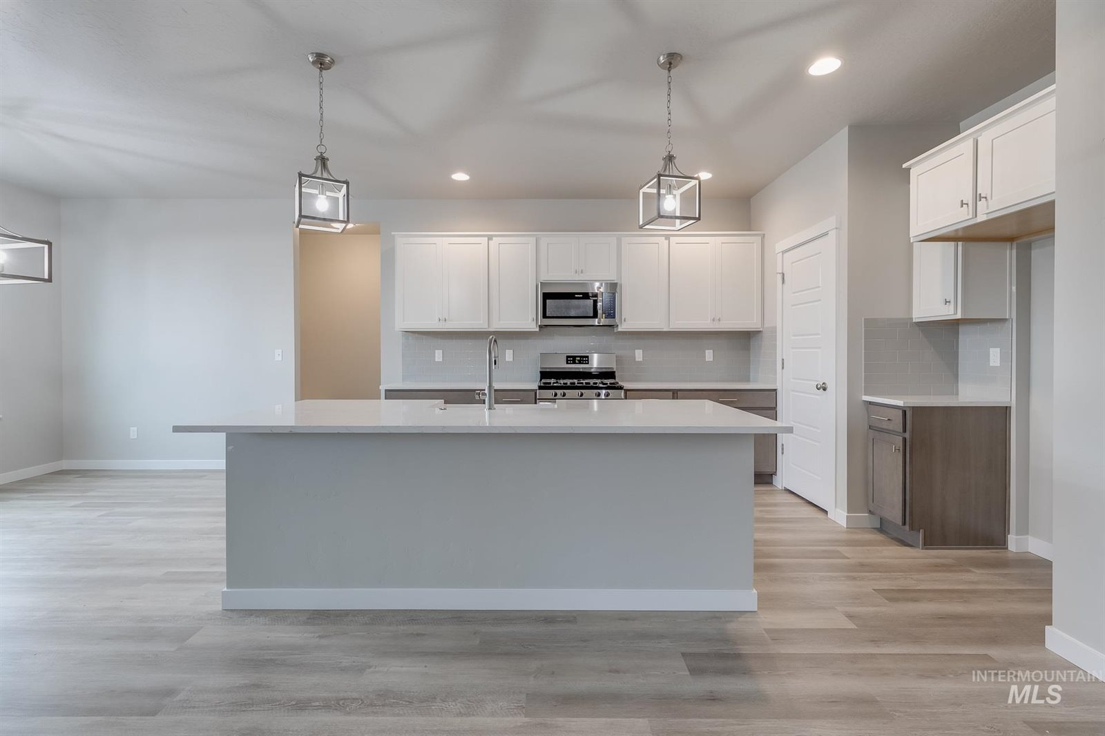 2059 West Wood Chip Dr, Meridian, ID 83642