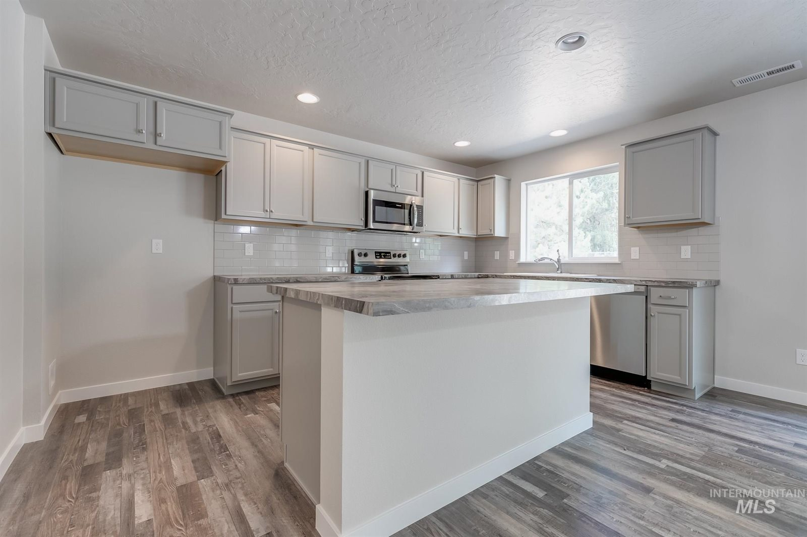 4379 West Sunny Cove St, Meridian, ID 83646