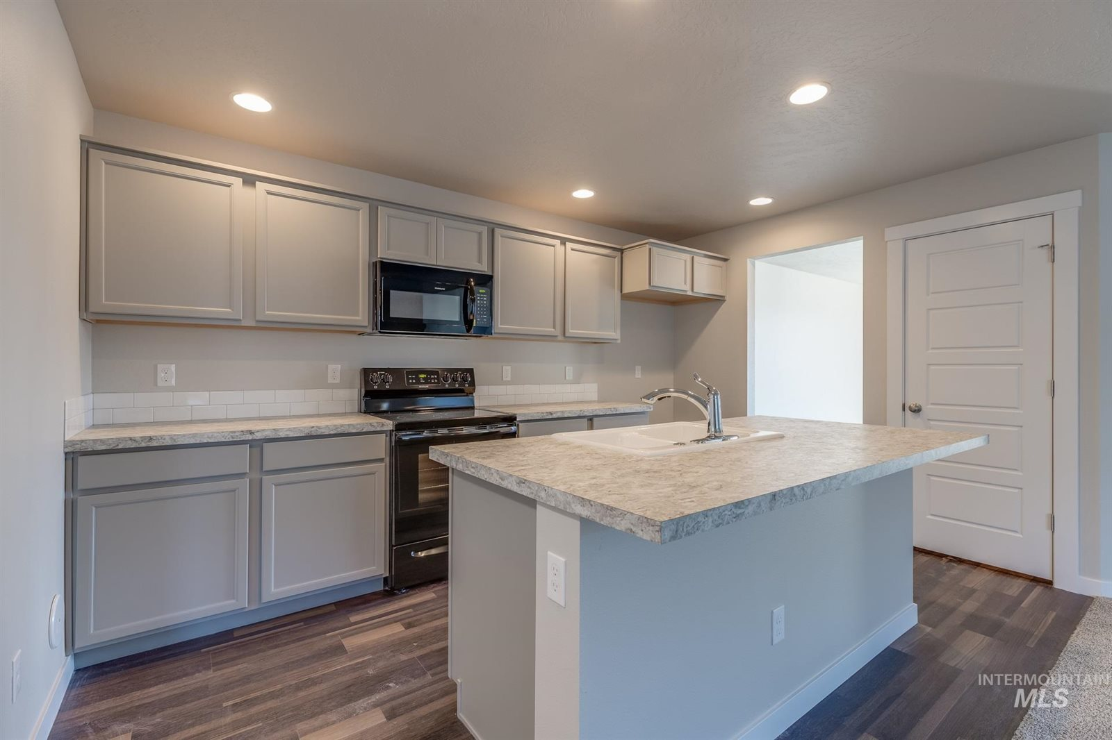 4875 West Thornapple Dr, Meridian, ID 83646